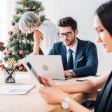 Hvor meget julestemning skal I have på kontoret?
